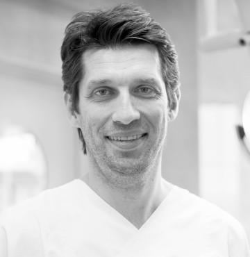 Dr med Dario Lizatović | Clinic Olymp