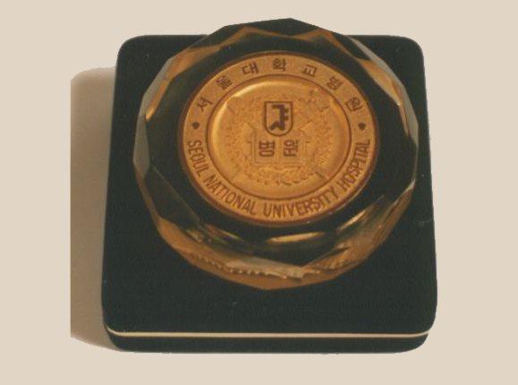 Medalja sveučilišta u Seulu dodeljena Dr. Panfilovu | Clinic Olymp